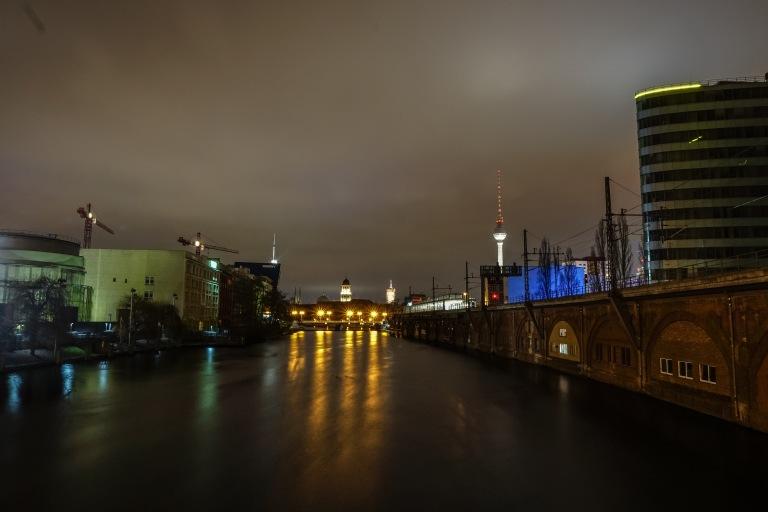berlin-at-night_24152260466_o