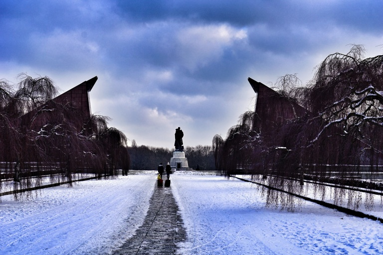 Berlin Soviet  War Memorial sight2