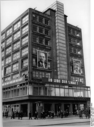 Berlin, Alexanderplatz - Berolinahaus in DDR times. source: Wikipedia.org