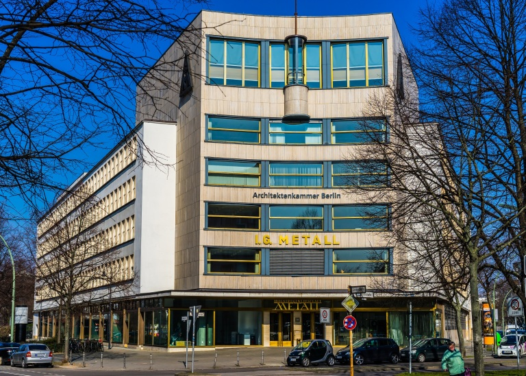 Berlin Art Deco Metallverband (1).JPG