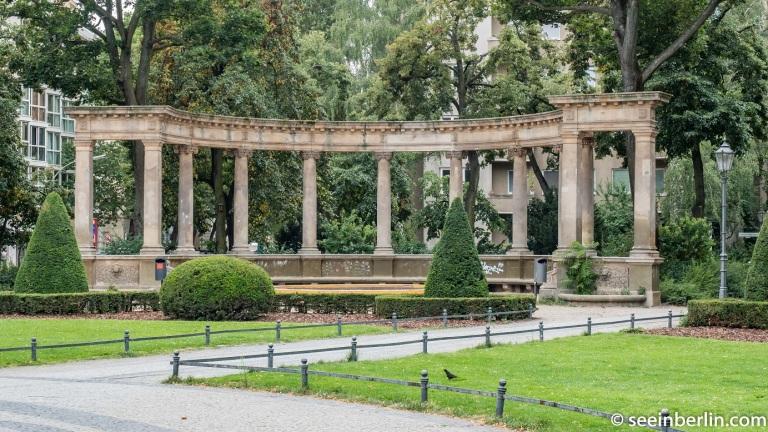 berlin viktoria luise platz (4).jpg
