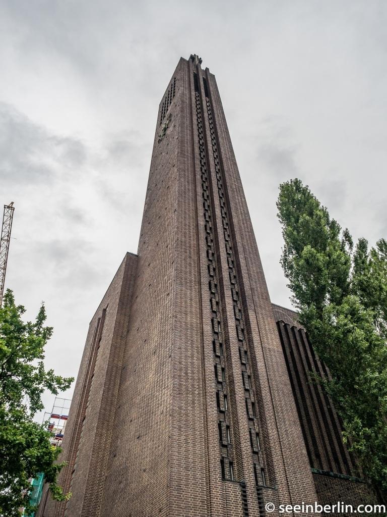 kirche am hohenzollernplatz Berlin seeinberlin (8).jpg